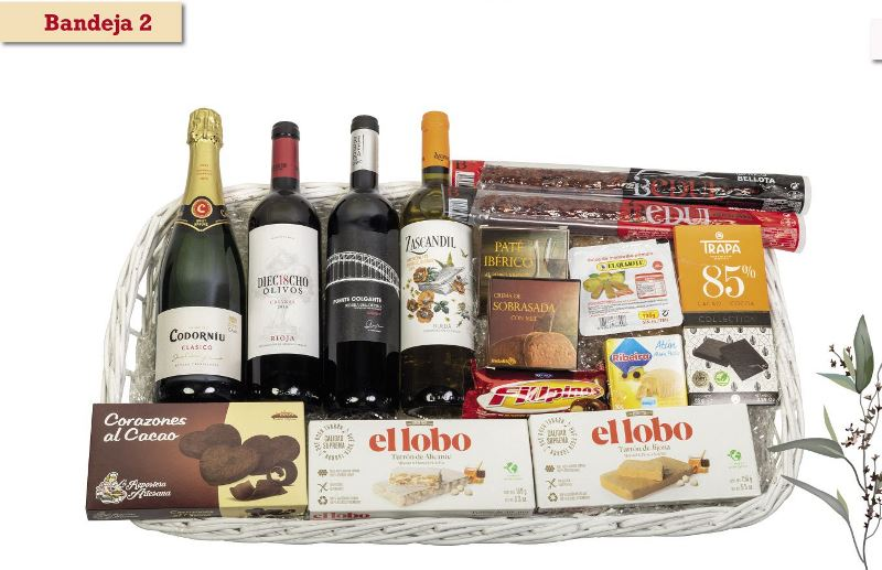 Bandeja de Navidad con vinos y turrón